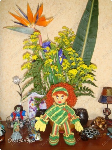 Это вторая куколка,связанная по описанию Annet http://www.u-mama.ru/read/article.php?id=1144  Автором идеи является Нелли Больгерт ... http://www.beadsky.com/nelly_borgelt.php?ln=ru http://www.sgddik.de/nelli/_ru/index.html  На первую куколку можно посмотреть здесь... http://stranamasterov.ru/node/136111  . Фото 6