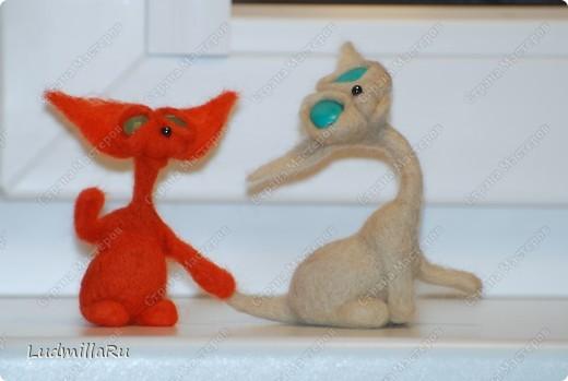 """Игрушка Валяние (фильцевание): MK """"Милые котики"""" мои Голубоглазка и Рыжик Шерсть Дебют. Фото 14"""