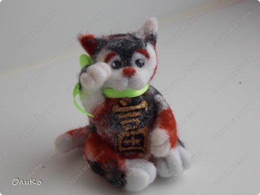 Фэн-шуй Валяние (фильцевание): Манэки - нэко - денежный кот Шерсть Новый год. Фото 1