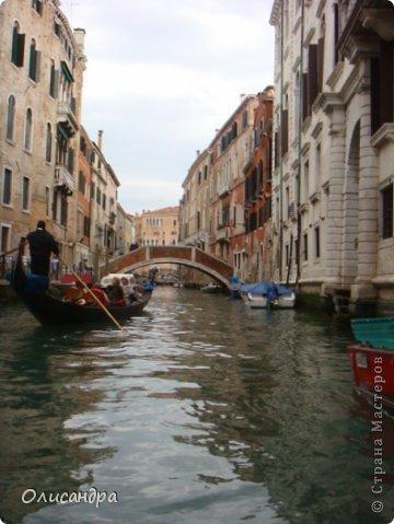 Мы едем в Венецию. Это была моя мечта ,я думала,что несбыточная... На этом катере  домчались туда за 20 минут и 7,5 евро.... Фото 14