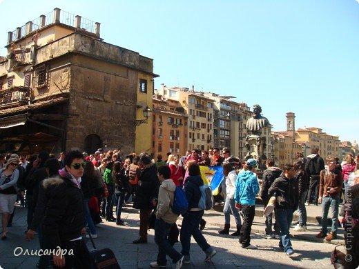 Италия встретила нас колоритным пейзажем...из теплиц и парников.... Фото 14