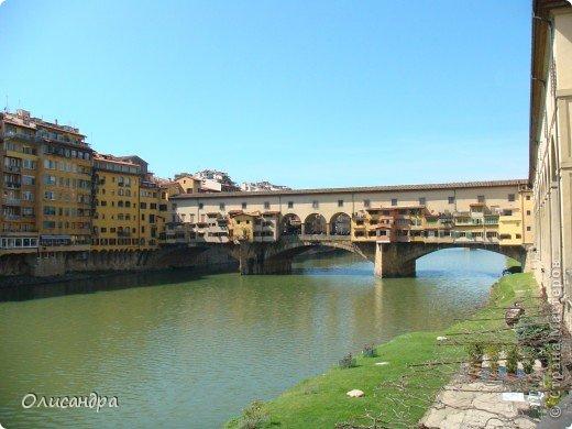 Италия встретила нас колоритным пейзажем...из теплиц и парников.... Фото 11