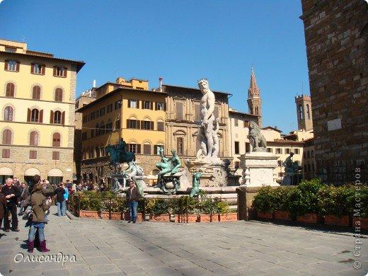 Италия встретила нас колоритным пейзажем...из теплиц и парников.... Фото 20