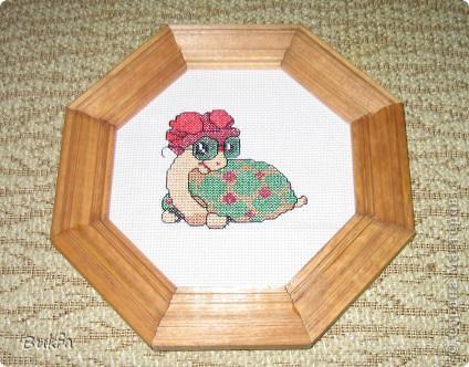 Дорогие мастерицы и мастера! Я, наконец-то пришла к концу серии фоторепортажей (ха-аха) о небольшой коллекции черепах, которую собирали мы всей семьюй. Если заинтересовались посмотрите раньше загруженные здесь: http://stranamasterov.ru/node/151515 http://stranamasterov.ru/node/151571 http://stranamasterov.ru/node/151613 http://stranamasterov.ru/node/152140 http://stranamasterov.ru/node/152480 http://stranamasterov.ru/node/152628  Закончить решила показом черепах самодельных. Таких тоже есть немножко. Надо бы расширить их ассортимент, да появилось другое увлечение - фигурки ангелов. Ну ладно хватит распинаться. Это сборная модель черепахи. Вот она-то самая большая в доме. Опять моя любимая водяная. Собирал сын, он тогда в школе учился. Конечноиз покупного набора. Но все-таки поделка. Или нет?. Фото 6