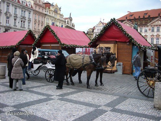 Прага является столицей и крупнейшим городом Чешской республики. Она расположена на реке Влтаве в центральной Богемии. В ней проживает примерно 1.2 миллиона человек. Достопримечательности Праги заслуженно пользуются громадной популярностью у многочисленных туристов.. Фото 12