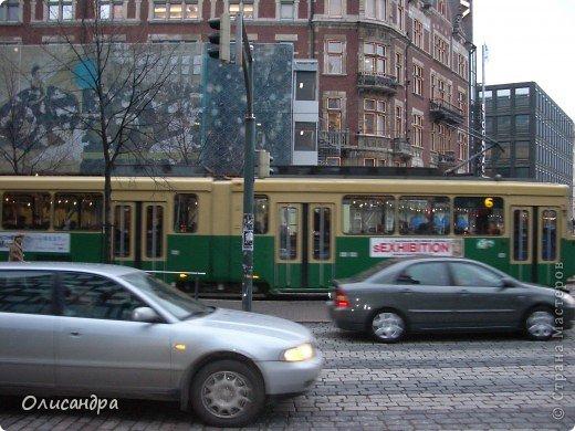 Хельсинки - главный город Финляндии, в котором сосредоточена экономическая, политическая и культурная жизнь страны. Но..., по-моему, достопримечательностей там очень мало...,или их прячут от туристов... , потому что все время показывают одно и тоже... Город расположен в скалистой местности. Исторический центр города находится на полуострове с сильно изрезанной береговой линией. Перепады высот в городе значительны, а скалы — обычная часть пейзажа. На реках в пределах города имеются водопады. *************************************************** Памятник Яну Сибелиусу расположен в районе Мейлахти, в живописном парке, который также носит имя Сибелиуса.  Ян Сибелиус (1865-1957) - финский композитор, который стал известен во всем мире как выразитель национального духа и реформатор классических идей в музыке. Именем Сибелиуса названа Хельсинкская академия музыки.  фото 8