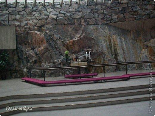 Хельсинки - главный город Финляндии, в котором сосредоточена экономическая, политическая и культурная жизнь страны. Но..., по-моему, достопримечательностей там очень мало...,или их прячут от туристов... , потому что все время показывают одно и тоже... Город расположен в скалистой местности. Исторический центр города находится на полуострове с сильно изрезанной береговой линией. Перепады высот в городе значительны, а скалы — обычная часть пейзажа. На реках в пределах города имеются водопады. *************************************************** Памятник Яну Сибелиусу расположен в районе Мейлахти, в живописном парке, который также носит имя Сибелиуса.  Ян Сибелиус (1865-1957) - финский композитор, который стал известен во всем мире как выразитель национального духа и реформатор классических идей в музыке. Именем Сибелиуса названа Хельсинкская академия музыки.  фото 7