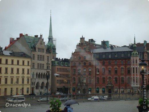 Столица Швеции, знаменитый город Стокгольм, пользуется популярностью среди туристов. Город был построен на четырнадцати островах, которые ничем не соединялись между собой, поэтому к сегодняшнему дню в регионе насчитывается около 55 мостов.  фото 8