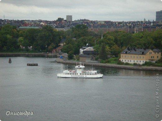 Столица Швеции, знаменитый город Стокгольм, пользуется популярностью среди туристов. Город был построен на четырнадцати островах, которые ничем не соединялись между собой, поэтому к сегодняшнему дню в регионе насчитывается около 55 мостов.  фото 17