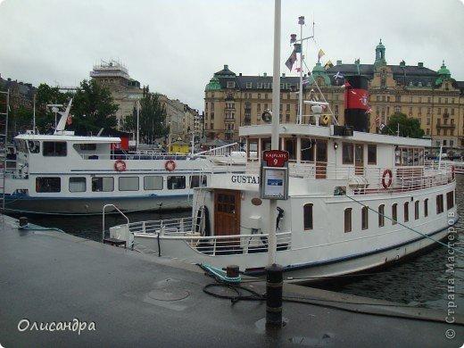 Столица Швеции, знаменитый город Стокгольм, пользуется популярностью среди туристов. Город был построен на четырнадцати островах, которые ничем не соединялись между собой, поэтому к сегодняшнему дню в регионе насчитывается около 55 мостов.  фото 10
