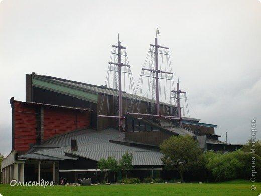 Столица Швеции, знаменитый город Стокгольм, пользуется популярностью среди туристов. Город был построен на четырнадцати островах, которые ничем не соединялись между собой, поэтому к сегодняшнему дню в регионе насчитывается около 55 мостов.  фото 27