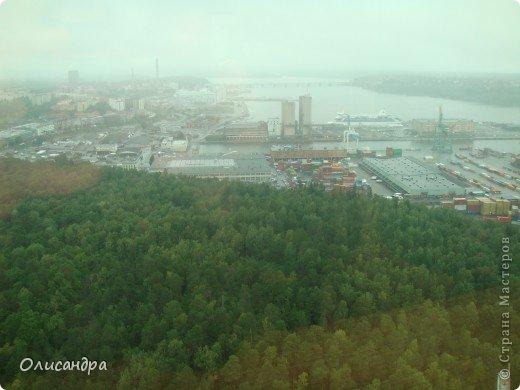 Столица Швеции, знаменитый город Стокгольм, пользуется популярностью среди туристов. Город был построен на четырнадцати островах, которые ничем не соединялись между собой, поэтому к сегодняшнему дню в регионе насчитывается около 55 мостов.  фото 33