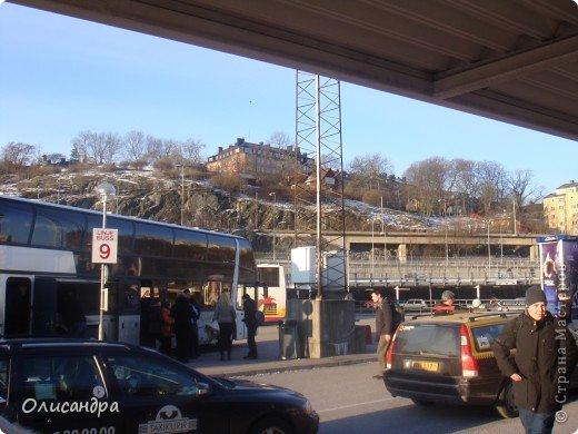 Столица Швеции, знаменитый город Стокгольм, пользуется популярностью среди туристов. Город был построен на четырнадцати островах, которые ничем не соединялись между собой, поэтому к сегодняшнему дню в регионе насчитывается около 55 мостов.  фото 4