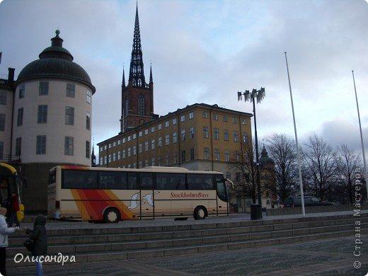 Столица Швеции, знаменитый город Стокгольм, пользуется популярностью среди туристов. Город был построен на четырнадцати островах, которые ничем не соединялись между собой, поэтому к сегодняшнему дню в регионе насчитывается около 55 мостов.  фото 6