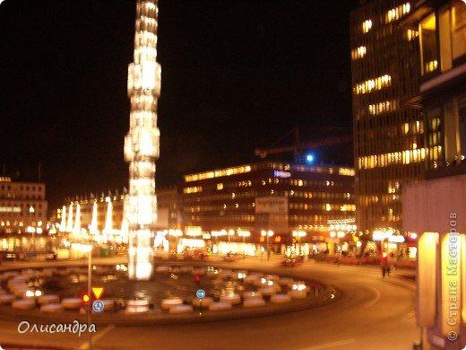 Столица Швеции, знаменитый город Стокгольм, пользуется популярностью среди туристов. Город был построен на четырнадцати островах, которые ничем не соединялись между собой, поэтому к сегодняшнему дню в регионе насчитывается около 55 мостов.  фото 35