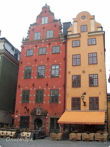 Столица Швеции, знаменитый город Стокгольм, пользуется популярностью среди туристов. Город был построен на четырнадцати островах, которые ничем не соединялись между собой, поэтому к сегодняшнему дню в регионе насчитывается около 55 мостов.  фото 22