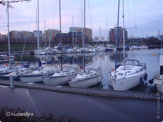Решила продолжить серию фоторепортажей, посвященных разным городам...  Начало здесь...   http://stranamasterov.ru/blog/34319/292 ********************************************* Копенгаген-это один из старейших  и самых больших городов Дании ( 500 тыс.жителей), а также самая тихая и умиротворенная столица в Европе.  Мы успели в этом убедиться за несколько часов, проведенных в этом приятном городе...Но , к сожалению, увидели очень мало...   фото 19