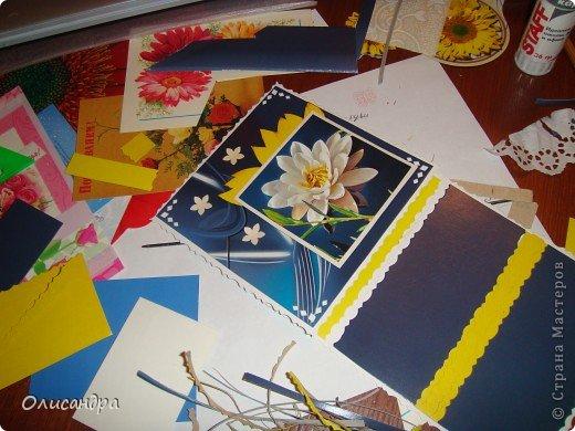 """Девочки! Как называется этот цветок? ******************************************* Окрыленная положительными отзывами, решила повторить свой эксперимент... и сделать еще одну открытку-стойку... Т.е. хотела ,просто, повторить то,что уже делала,но с другой картинкой... http://stranamasterov.ru/node/215641  Т.е. думать не хотелось, хотелось сделать быстренько... Но, кажется, быстренько я не умею...  Опять """"муки творчества"""" длились до середины ночи.... Фото 11"""