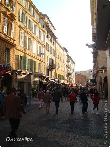 Ницца – один из красивейших уголков Франции, была основана в 5 веке до н. э. греками. Название произошло от имени богини победы – Ники.  В 19 веке отдыхать в Ницце полюбила сначала английская, а потом и французская аристократия. . Фото 22