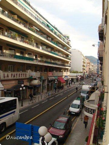 Ницца – один из красивейших уголков Франции, была основана в 5 веке до н. э. греками. Название произошло от имени богини победы – Ники.  В 19 веке отдыхать в Ницце полюбила сначала английская, а потом и французская аристократия. . Фото 19
