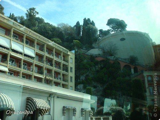Ницца – один из красивейших уголков Франции, была основана в 5 веке до н. э. греками. Название произошло от имени богини победы – Ники.  В 19 веке отдыхать в Ницце полюбила сначала английская, а потом и французская аристократия. . Фото 29