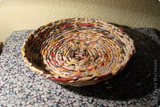 Мастер-класс Поделка изделие Плетение Фруктовница-конфетница-печенюшница Бумага газетная фото 2