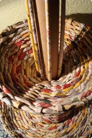 Мастер-класс Поделка изделие Плетение Фруктовница-конфетница-печенюшница Бумага газетная фото 17