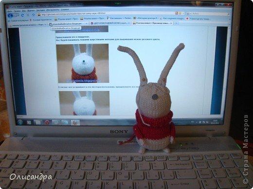 """Никогда не замечала за собой особой любви к зайцам, но они ,удивительным образом, """"размножаются"""" в моем доме... Впрочем, на то они и зайцы :)) Или ,просто, мне попадались такие """"экземпляры"""", которые хотелось сшить, хотя я очень не люблю этот вид рукоделия... Здесь история о тильдо-зайцах... ,о Юноне и Авосе... http://stranamasterov.ru/node/185577?t=1136 . Фото 4"""
