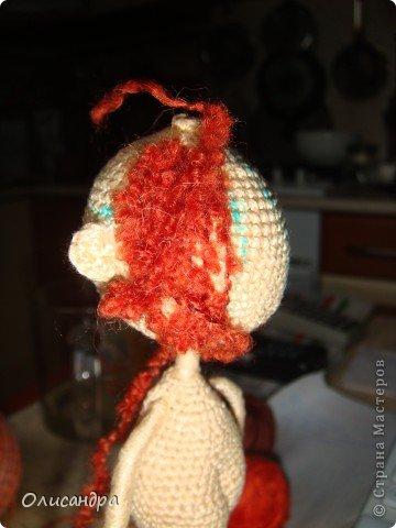 """Люблю куколок... Не всех,конечно... Но эта покорила  с первого взгляда...  Подкупило то,что в ней всего 3 вязаных детали... Казалось бы, что там делать? Раз...и готово, но я промучилась  около недели... Родилась """"Кудряшка"""", благодаря Ларисе Глинчак ( Розетка)...  http://glinchak.com/amigurumi/master-klass-promokashka-t45.html А это мини-версия...всего 13 см... http://glinchak.com/amigurumi/mini-promokashka-v-krasnom-t108.html . Фото 18"""