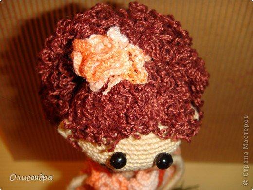 """Люблю куколок... Не всех,конечно... Но эта покорила  с первого взгляда...  Подкупило то,что в ней всего 3 вязаных детали... Казалось бы, что там делать? Раз...и готово, но я промучилась  около недели... Родилась """"Кудряшка"""", благодаря Ларисе Глинчак ( Розетка)...  http://glinchak.com/amigurumi/master-klass-promokashka-t45.html А это мини-версия...всего 13 см... http://glinchak.com/amigurumi/mini-promokashka-v-krasnom-t108.html . Фото 33"""