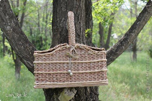 Поделка изделие Плетение Первая корзина для пикника Бумага газетная Трубочки бумажные фото 19