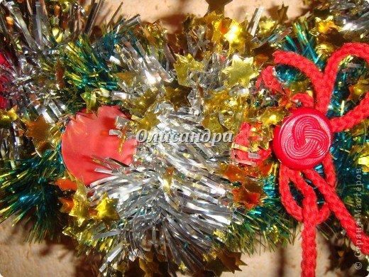 Вчера,гуляя по Стране Мастеров,я увидела рождественский венок  http://stranamasterov.ru/node/129253 Конечно,я смотрела на них и раньше, но этот меня вдохновил... Вдохновение совпало с наличием свободного времени ... и процесс начался.... Фото 6