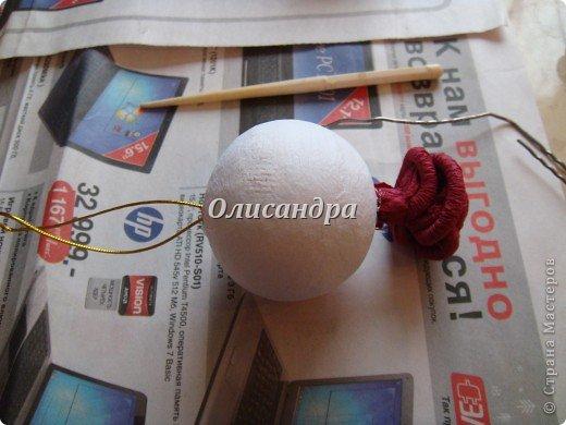 Сделала розовое дерево... http://stranamasterov.ru/node/144894 ...и так мне понравилось крутить розочки, что не могу остановиться... Это первый розовый шар..., по моей задумке их будет три...Результат покажу позже, т.к. последний шарик еще в проекте.... Фото 19