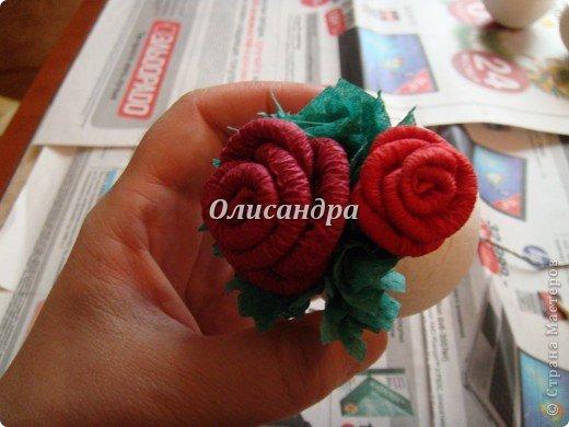 Сделала розовое дерево... http://stranamasterov.ru/node/144894 ...и так мне понравилось крутить розочки, что не могу остановиться... Это первый розовый шар..., по моей задумке их будет три...Результат покажу позже, т.к. последний шарик еще в проекте.... Фото 22