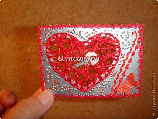 """Наверно, АТСки надо либо делать, либо не делать...Сделала мини-серию """"Ассоль"""" и захотелось сделать что-то еще... Эту идею я вынашивала очень давно, но конкретики...как и из чего не было...  Зато, я знала...для кого... Карточка №1 для меня ( не буду отступать от традиции...оставлять себе карточку из каждой серии)...  Карточка №2 или №3  предназначена для Юлечки Л.  Именно, благодаря ей, я узнала, что такое АТС... Кроме того я являюсь поклонницей ее таланта... Юлечка! Выбери ,пожалуйста ! Хотя, все они очень похожи... Теперь ты поняла, что меня поразило, когда я увидела твою открытку? Третья карточка тоже предназначена в подарок... Пусть это будет сюрпризом! ************************************************** Очень хочется подарить """"ключик от сердца"""" еще многим девочкам, с которыми мы менялись и подружились благодаря АТС, но у меня было только три ключика...    . Фото 5"""