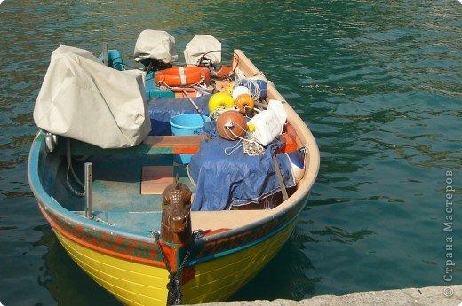 Италия / г.Сирмионе / сентябрь 2009г ********************************************* Сирмионе - небольшой старинный городок, расположен на живописном полуострове самого большого озера Италии - Гарда (на южной оконечности озера), в часе езды от Милана. Население городка составляет 5 800 человек.  фото 28