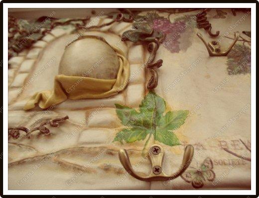 Декор предметов Мастер-класс Ассамбляж Ключница-панно из кожи -'Молдавский дворик   Дерево Картон гофрированный Клей Кожа Краска Салфетки фото 4
