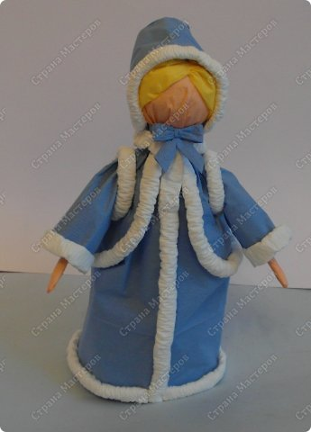 Куклы Мастер-класс Новый год Бумагопластика МК Снегурочка - кукла из бумажных салфеток на пластиковой бутылке Салфетки фото 1