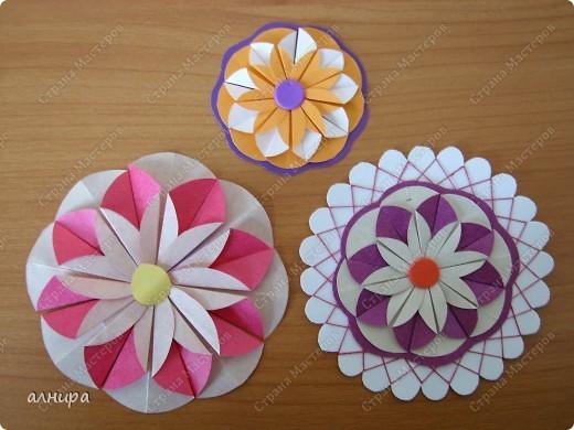 Мастер-класс День рождения Оригами из кругов МК Цветок из кругов для открытки Бумага фото 1