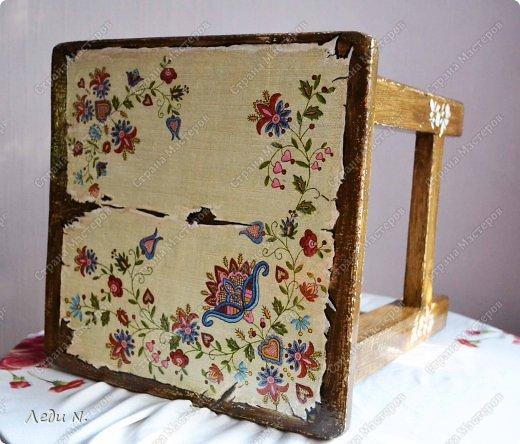 Декор предметов Мастер-класс Декупаж Табурет - из старого в  старинный Краска Салфетки фото 1