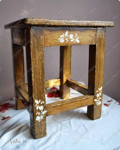 Декор предметов Мастер-класс Декупаж Табурет - из старого в  старинный Краска Салфетки фото 3