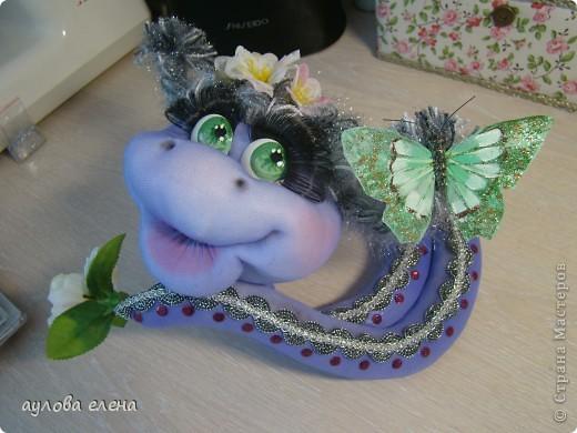 Мастер-класс Новый год Шитьё Змейка делаем мордочку Капрон Проволока фото 43