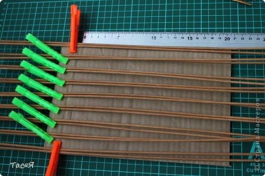 Поделка изделие Плетение Пробуем прямоугольное плетеное дно 3-месячной годовщине плетения посвящается Бумага фото 4
