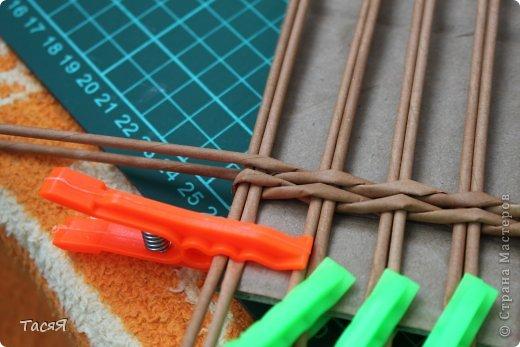 Поделка изделие Плетение Пробуем прямоугольное плетеное дно 3-месячной годовщине плетения посвящается Бумага фото 10