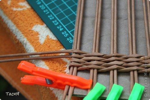 Поделка изделие Плетение Пробуем прямоугольное плетеное дно 3-месячной годовщине плетения посвящается Бумага фото 13