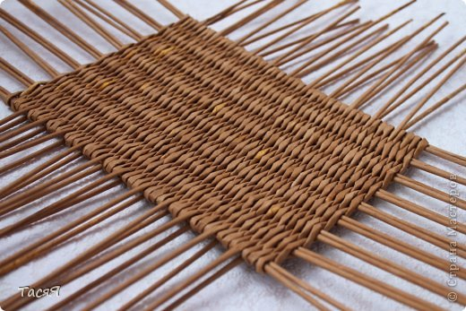Поделка изделие Плетение Пробуем прямоугольное плетеное дно 3-месячной годовщине плетения посвящается Бумага фото 22