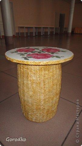 Кофейный столик из бумажной лозы