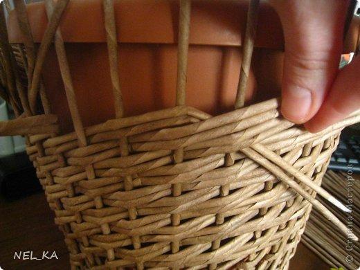 Поделка изделие Плетение Кашпо и немного о закрытии послойного плетения Бумага газетная Трубочки бумажные фото 6
