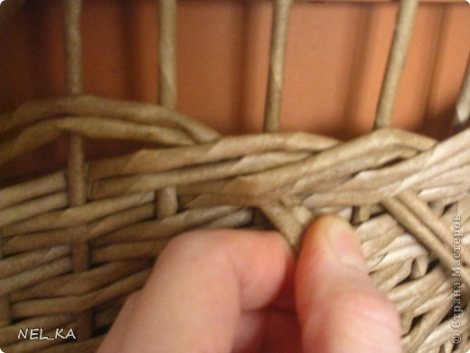 Поделка изделие Плетение Кашпо и немного о закрытии послойного плетения Бумага газетная Трубочки бумажные фото 10