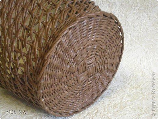 Поделка изделие Плетение Кашпо и немного о закрытии послойного плетения Бумага газетная Трубочки бумажные фото 4